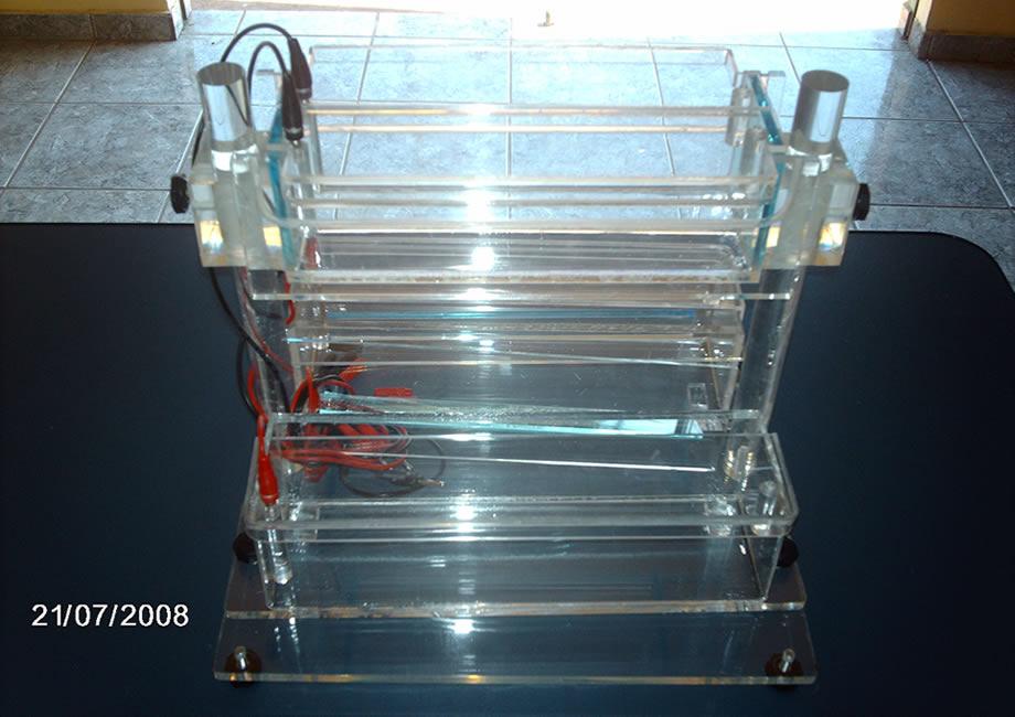 Maquina de Mapeamento Genético em Acrílico
